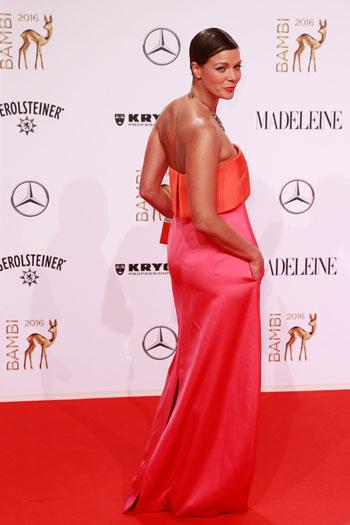 نجوم العالم يتوافدون على برلين لحضور حفل توزيع جوائز بامبي