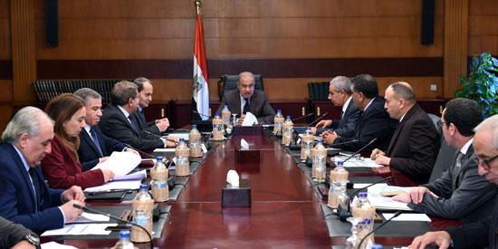 الحكومة تعقد اجتماعا بشأن السلع الغذائية 