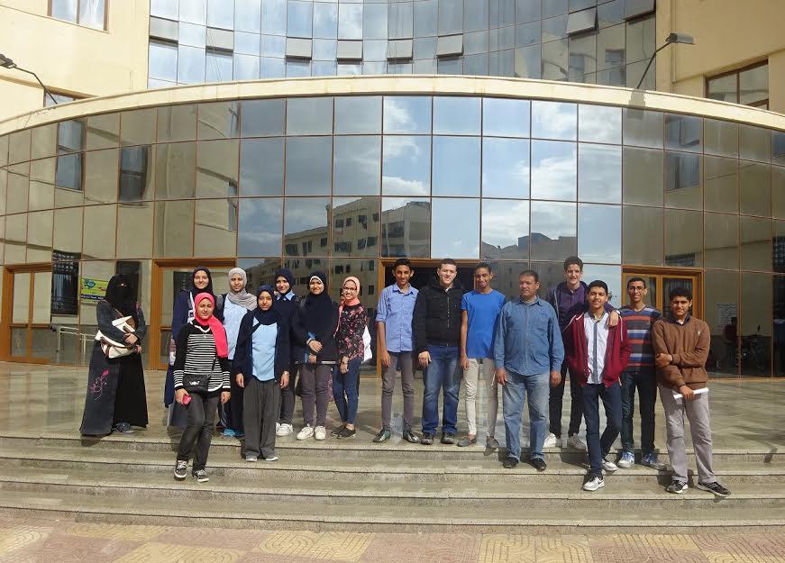 3-             صورة جماعية للطلاب