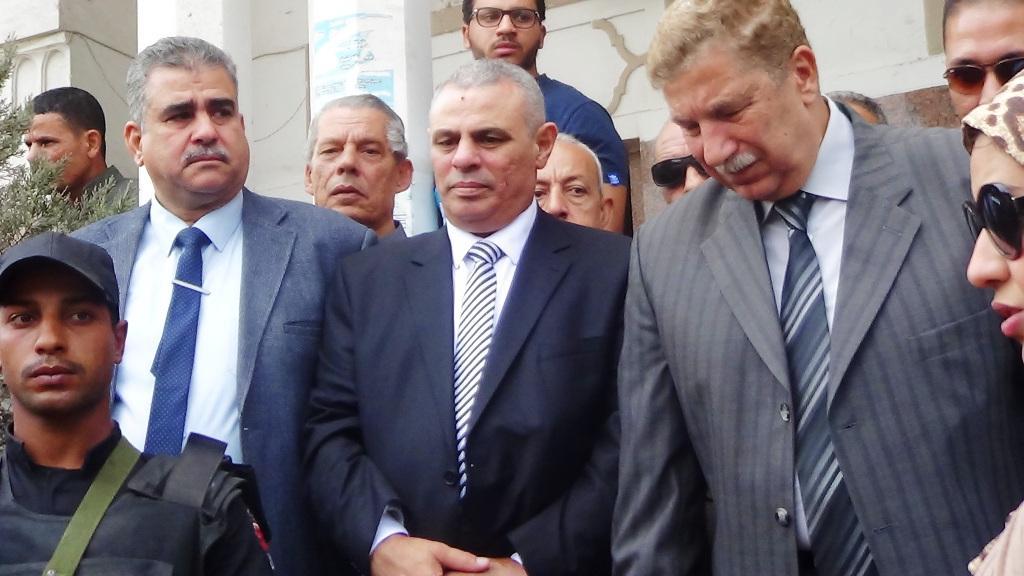محافظ الإسماعيلية يشيع جثمان ريم