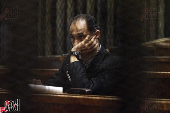 جمال مبارك داخل قفص الاتهام