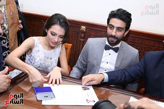 العروسين يتوسطان احمد جمال و احمد ابراهيم وفهد ومينا عطا وبهاء الدين محمد