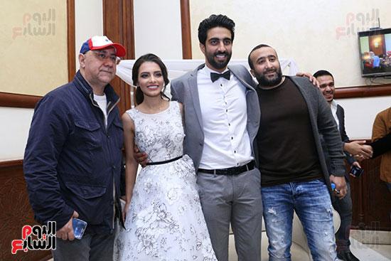 محمد شاهين و العروسين