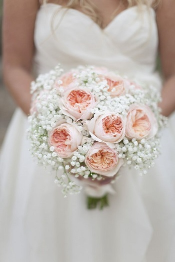 Garden-Roses-and-Babys-Breath