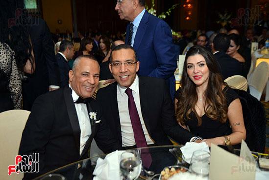 الإعلامى خالد صلاح وزوجته الإعلامية شريهان أبو الحسن والإعلامى أحمد موسى