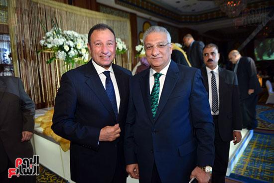 وزير التنمية المحلية أحمد زكى بدر و الكابتن محمود الخطيب