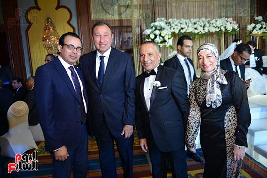 الكاتب الصحفى دندراوى الهوارى والكابتن محمود الخطيب
