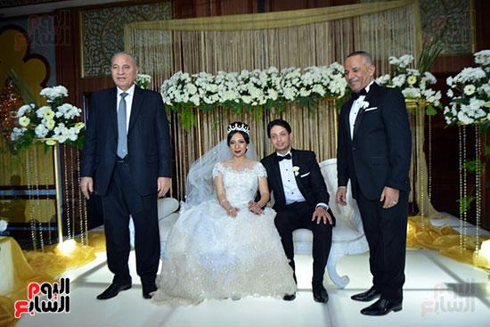 العروسان وسط الإعلامى أحمد موسى و المستشار أحمد الزند