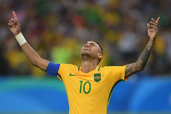 592640214-neymar-of-brazil-celebrates-scoring-the-gettyimages-1480165354-800