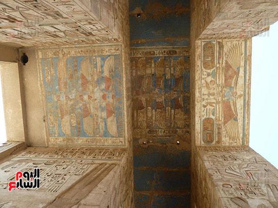 جدران معبد هابو مازالت محتفظة بألوانها رغم مرور آلاف السنوات