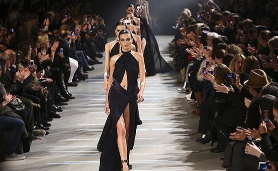 0e8163585 بالصور.. هؤلاء على رأس قائمة مصممى الأزياء بأسبوع الموضة بباريس 2017 ...