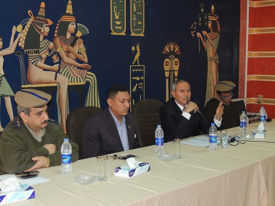 مدير أمن سوهاج وقيادات المديرية خلال اجتماع اليوم