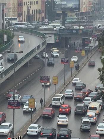 حركة السيارات أعلى كوبرى أكتوبر بطيئة بسبب الأمطار