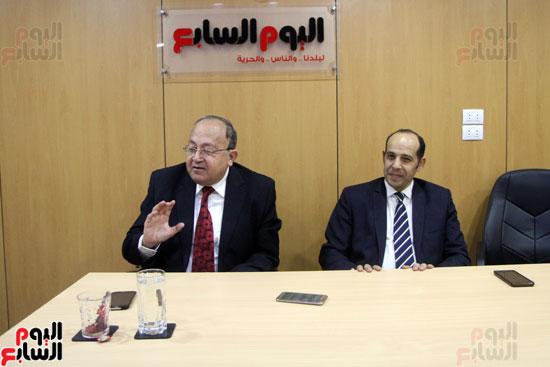 صفوت العالم يسلم شهادات خريجى أكاديمية اليوم السابع (5)