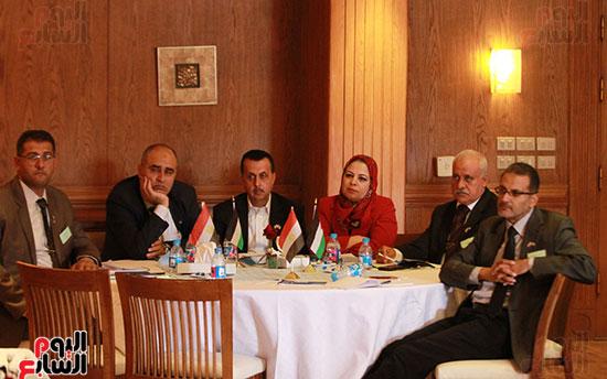 ورشة العمل حول التفاعل الإيجابى بين قطاعات المجتمع المصرى والفلسطينى (25)