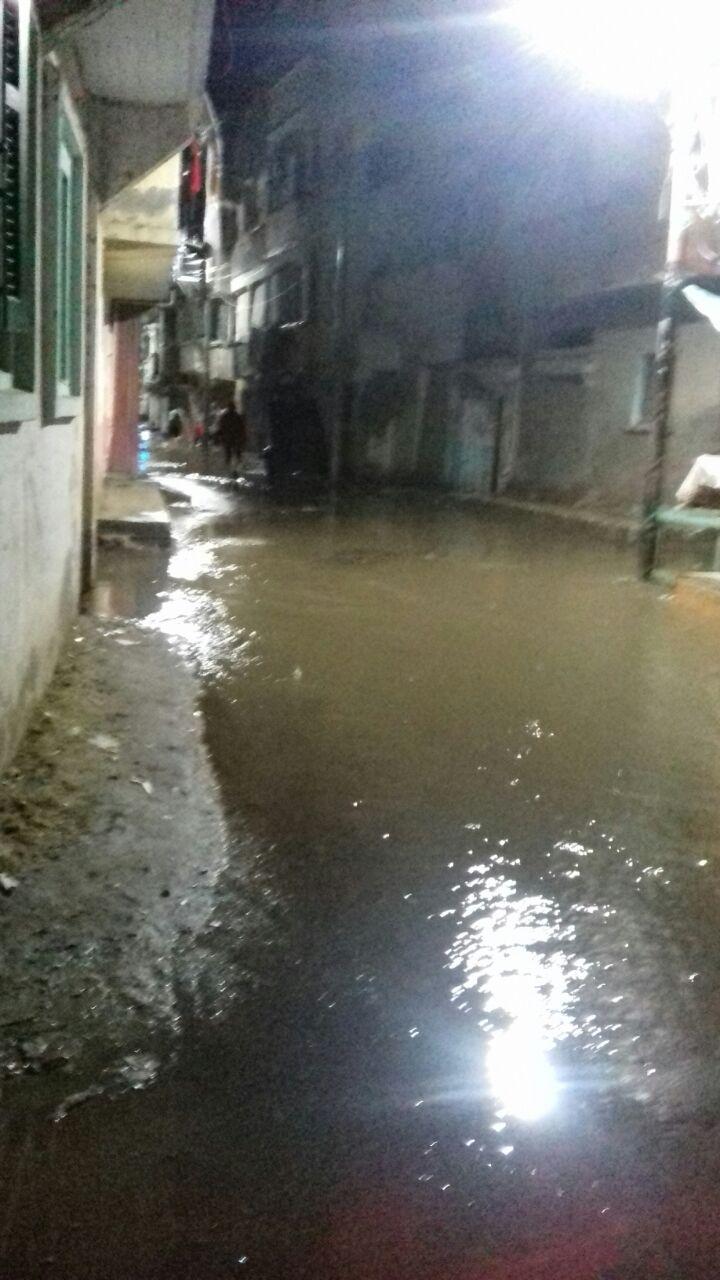 الأمطار تحاصر منازل رشيد