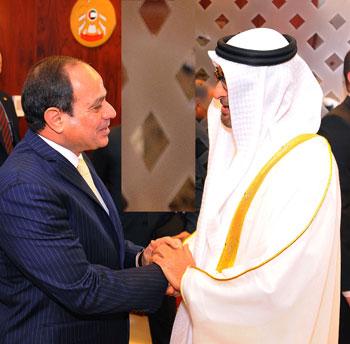 جلسة مباحثات بين السيسى ومحمد بن زايد فور وصوله الإمارات (1)