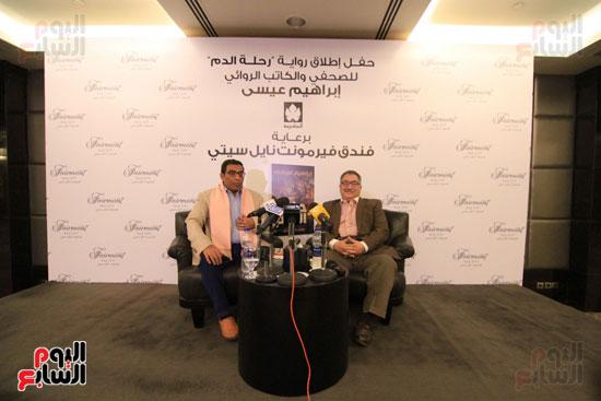 حفل توقيع رواية رحلة الدم للكاتب والإعلامى إبراهيم عيسى (64)
