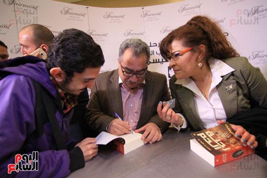 حفل توقيع رواية رحلة الدم للكاتب والإعلامى إبراهيم عيسى (67)