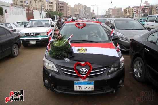 رئيس حى المقطم يتبرع لصندوق تحيا مصر (2)