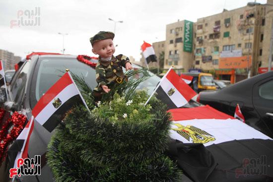 رئيس حى المقطم يتبرع لصندوق تحيا مصر (3)