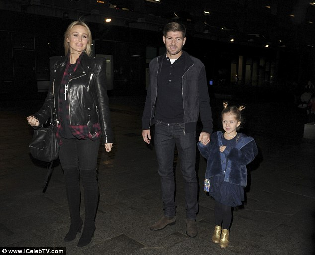جيرارد وزوجته وابنته