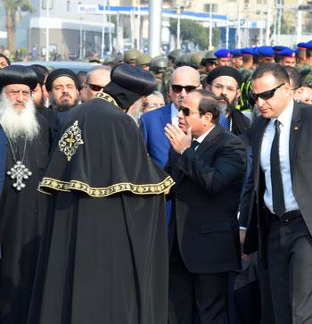 السيسي يشارك فى جنازة شهداء الكنيسة (2)
