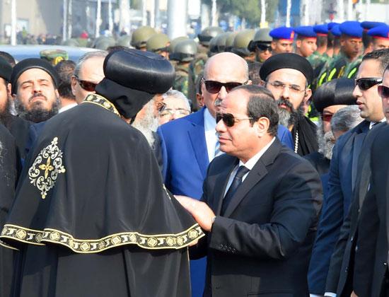 السيسي يشارك فى جنازة شهداء الكنيسة (3)
