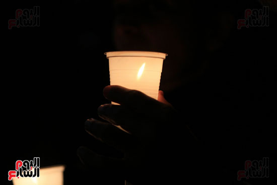 وقفة بالشموع لشهداء البطرسية (2)