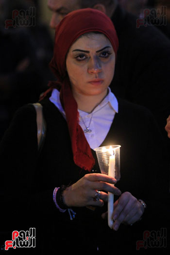 وقفة بالشموع لشهداء البطرسية (22)