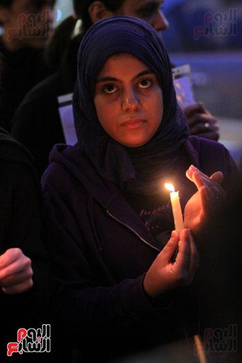 وقفة بالشموع لشهداء البطرسية (23)