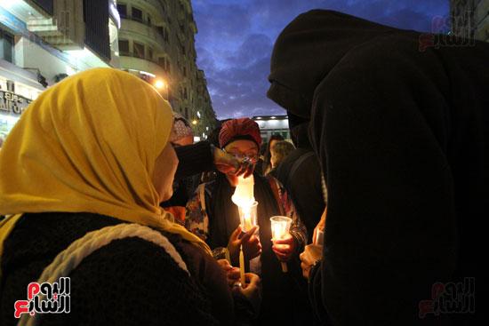 وقفة بالشموع لشهداء البطرسية (16)