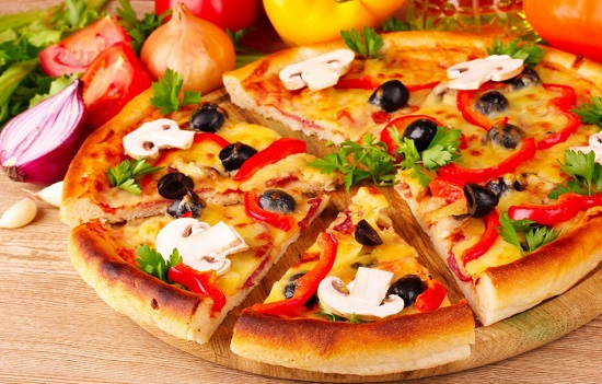 طريقة عمل البيتزا5
