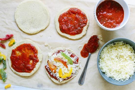 طريقة عمل البيتزا2
