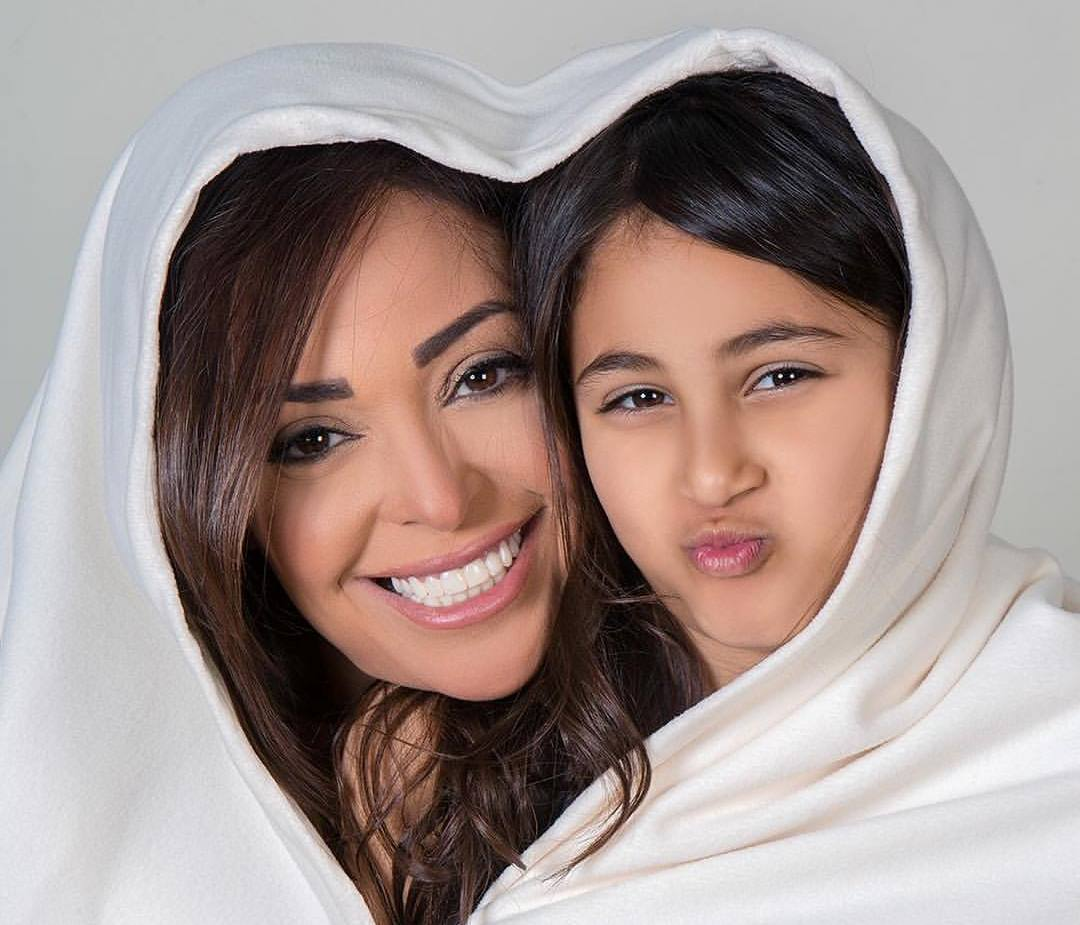 داليا البحيرى وابنتها