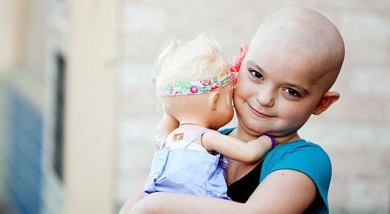 طفل مصاب بسرطان
