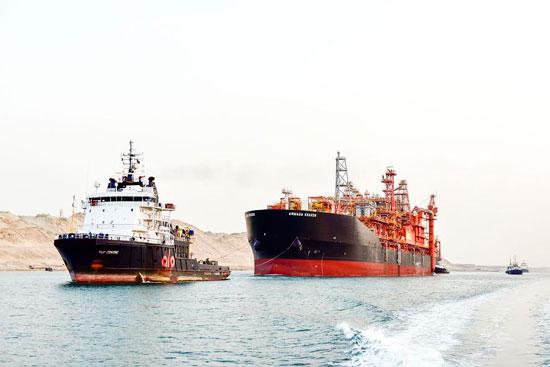 سفينة البترول فى قناة السويس
