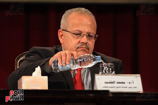جامعة القاهرة تكرم أعضاء جدد من هيئة التدريس المنشورة أبحاثهم دوليا (13)
