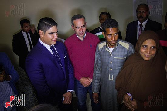 أبو هشيمة و3 وزراء ومحافظ أسوان يفتتحون إعادة إعمار قرية توشكى (11)