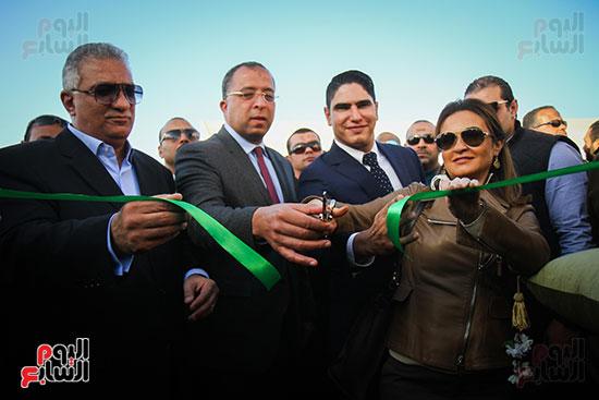 أبو هشيمة و3 وزراء ومحافظ أسوان يفتتحون إعادة إعمار قرية توشكى (9)