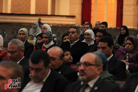 جامعة القاهرة تكرم أعضاء جدد من هيئة التدريس المنشورة أبحاثهم دوليا (10)