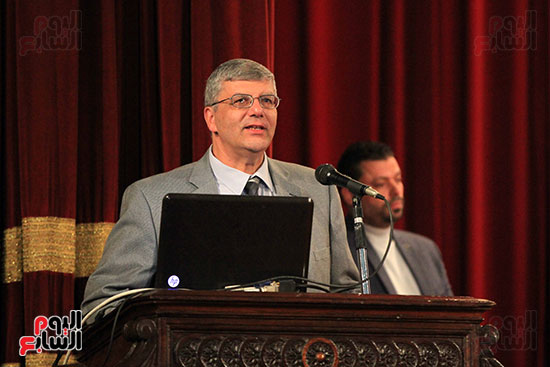 جامعة القاهرة تكرم أعضاء جدد من هيئة التدريس المنشورة أبحاثهم دوليا (11)