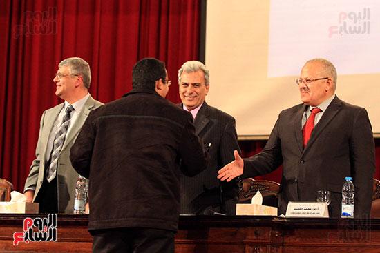 جامعة القاهرة تكرم أعضاء جدد من هيئة التدريس المنشورة أبحاثهم دوليا (23)