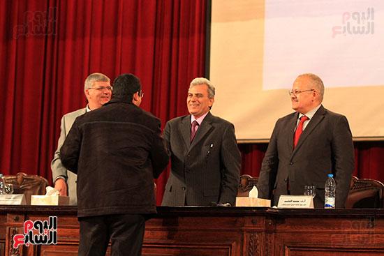 جامعة القاهرة تكرم أعضاء جدد من هيئة التدريس المنشورة أبحاثهم دوليا (22)