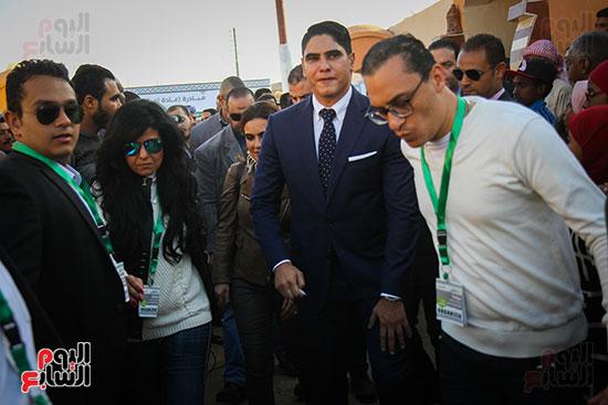أبو هشيمة و3 وزراء ومحافظ أسوان يفتتحون إعادة إعمار قرية توشكى (19)