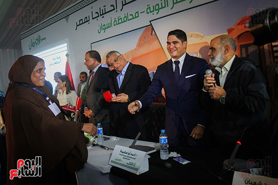 أبو هشيمة و3 وزراء ومحافظ أسوان يفتتحون إعادة إعمار قرية توشكى (43)