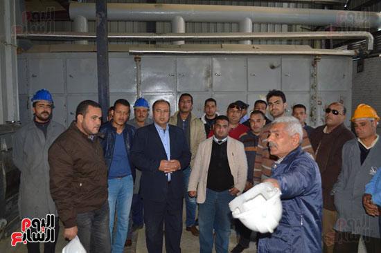 وفد من شباب المحافظة بالمدينة الصناعية بمطوبس برفقه رئيس مجلس المدينة