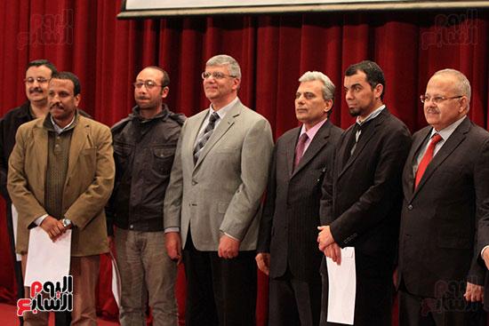 جامعة القاهرة تكرم أعضاء جدد من هيئة التدريس المنشورة أبحاثهم دوليا (25)