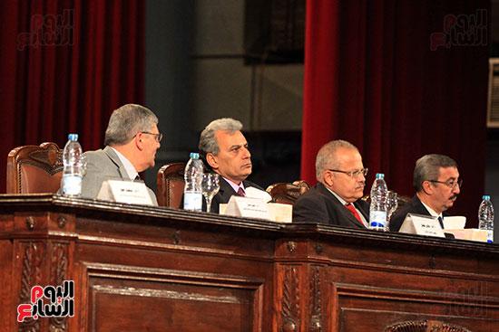 جامعة القاهرة تكرم أعضاء جدد من هيئة التدريس المنشورة أبحاثهم دوليا (9)