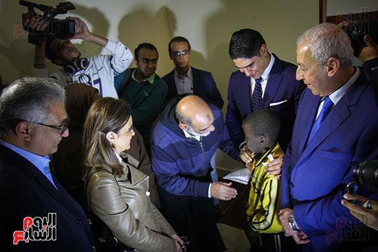 أبو هشيمة و3 وزراء ومحافظ أسوان يفتتحون إعادة إعمار قرية توشكى (12)